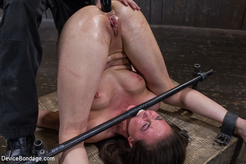 porn photo 2019 Pissing glasses torture reality